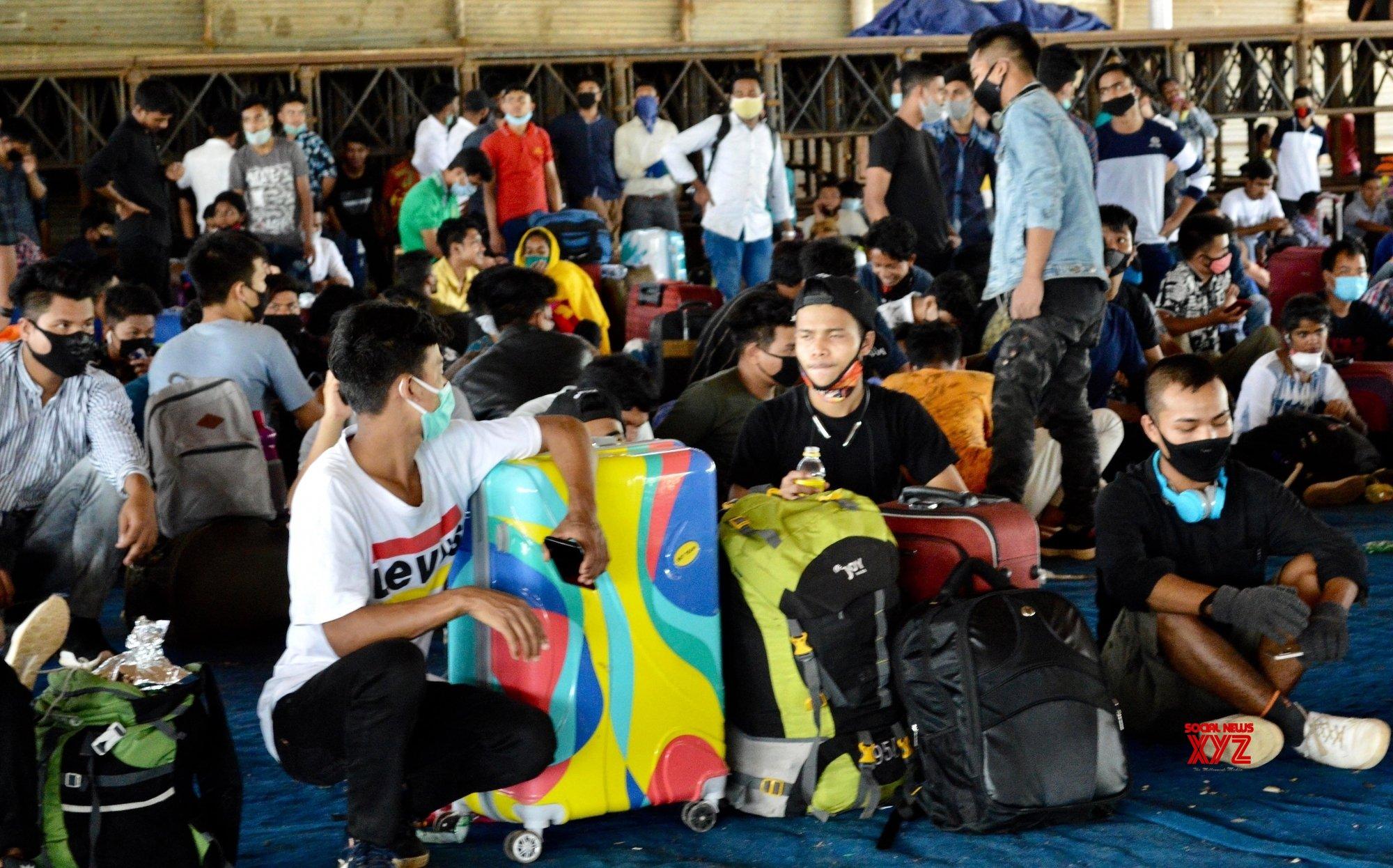 10 Karnataka special trains ferry 13,233 migrants home