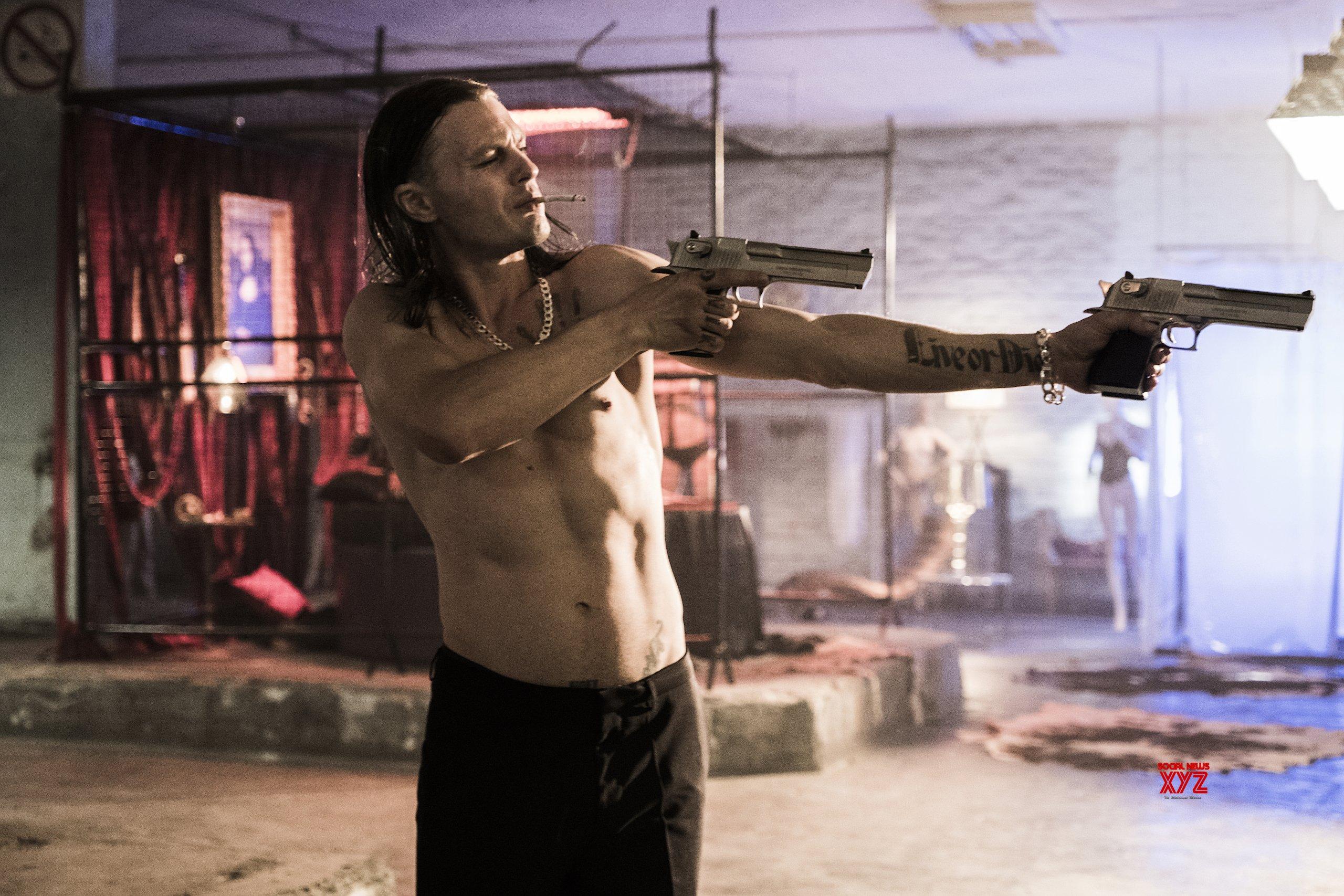 Netflix S The Last Days Of American Crime Movie Hd Stills Social News Xyz