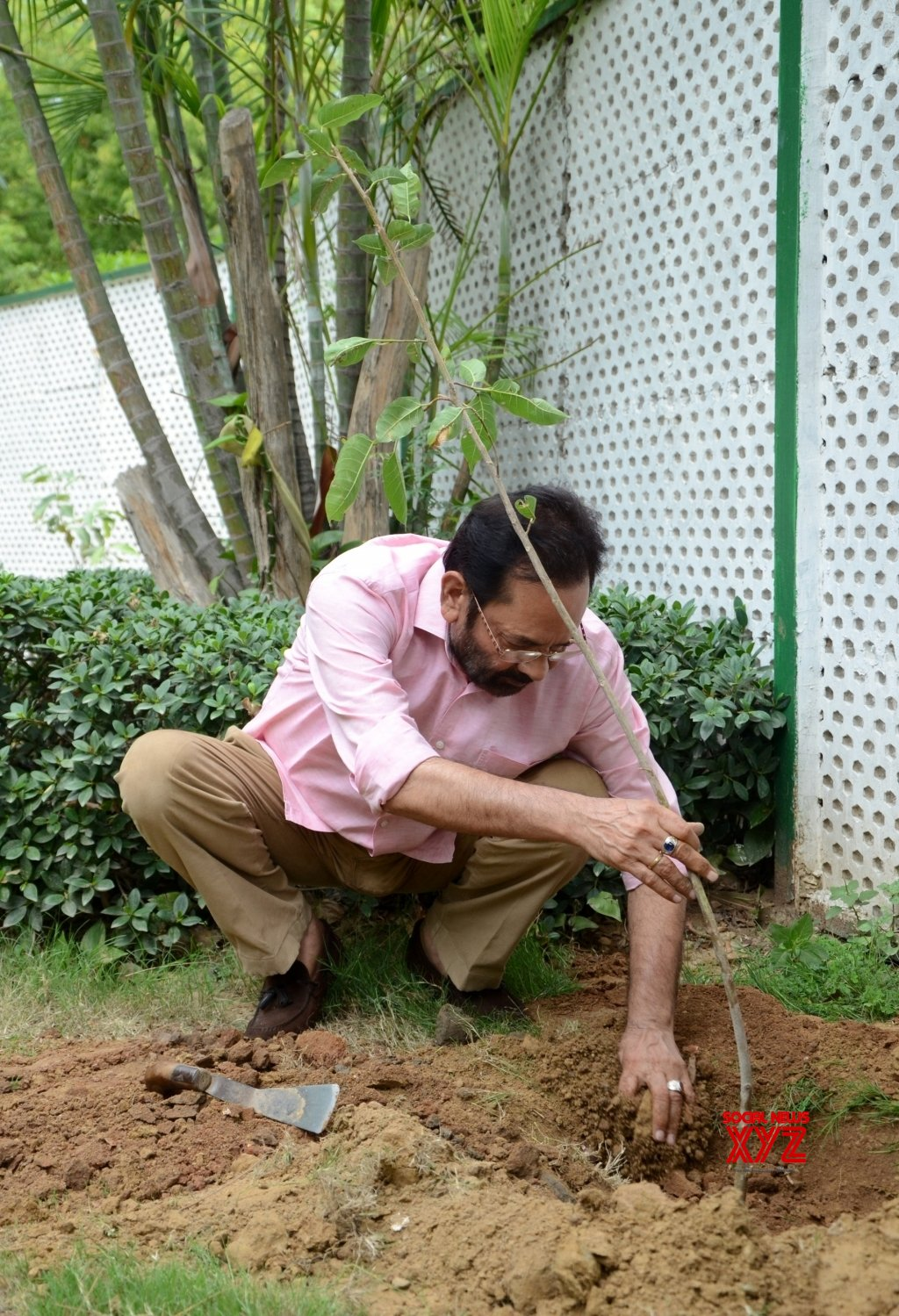 : New Delhi: Mukhtar Abbas Naqwi plants a sapling on World Environment Day #Gallery