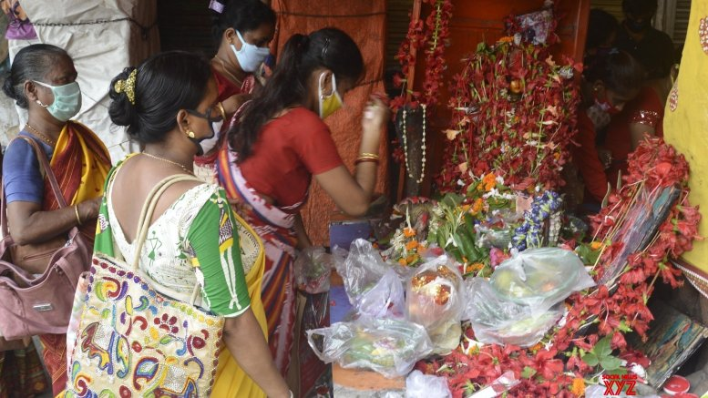 After 100 days, Kolkata's Kalighat Temple reopens doors to devotees