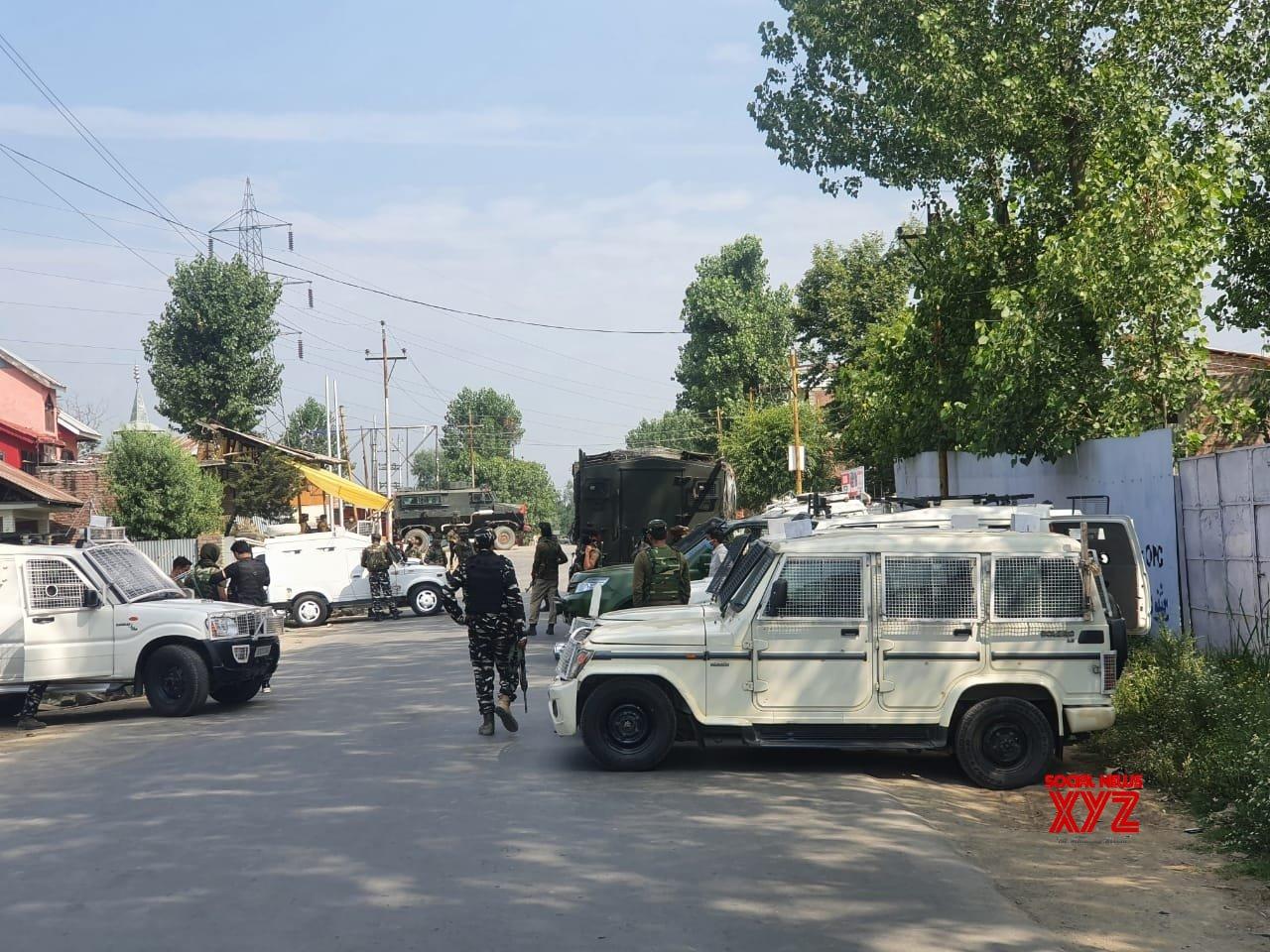 Sopore: CRPF trooper, civilian killed in terror attack in Kashmir #Gallery
