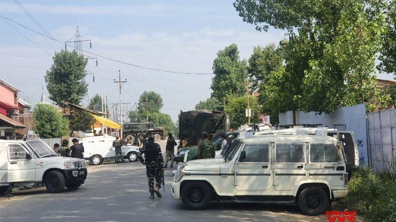 CRPF trooper, civilian killed in terror attack in Kashmir