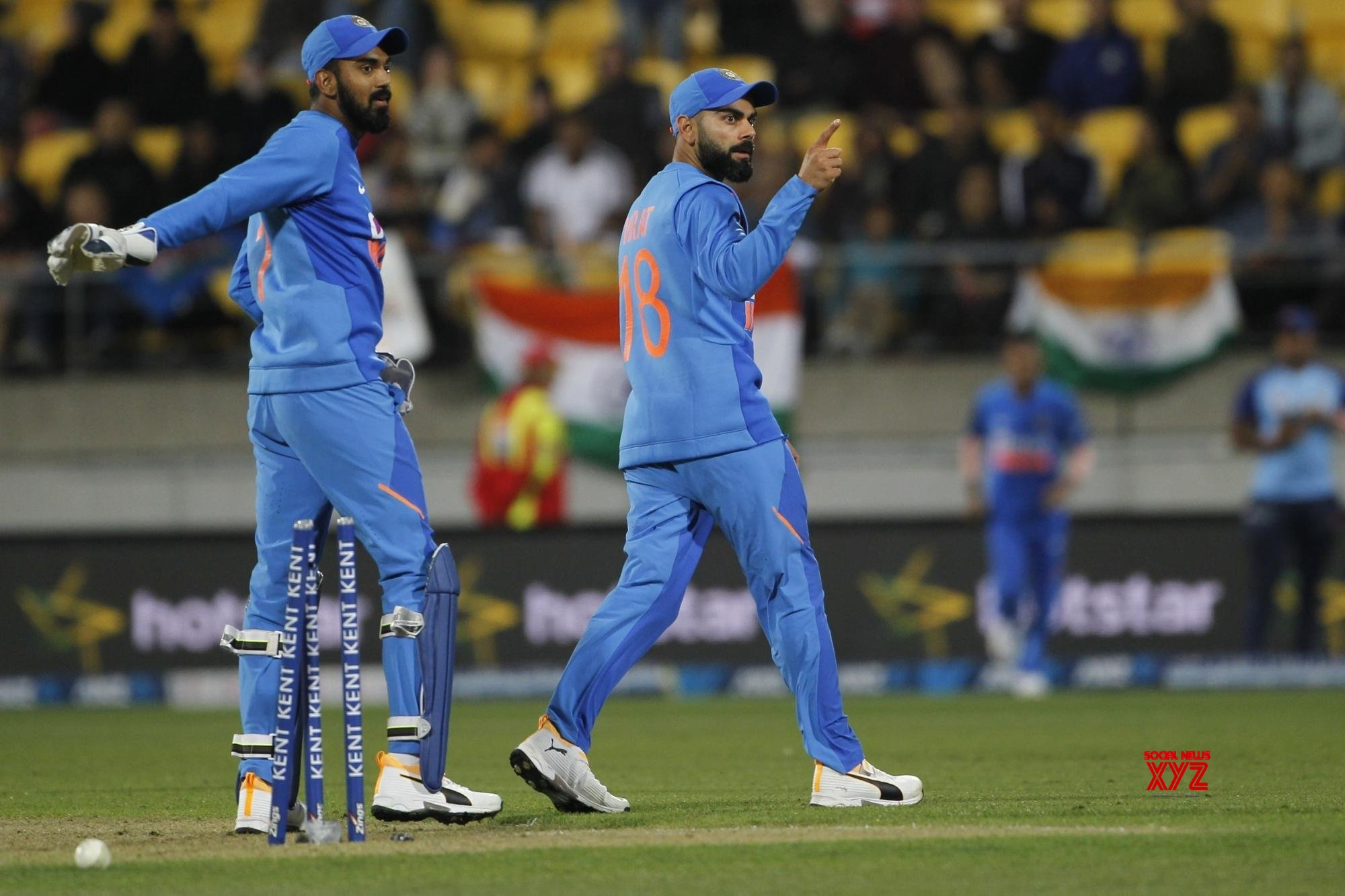 Kohli, Rahul engage in hilarious banter over coffee cup