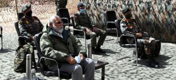 Leh: Prime Minister Narendra Modi during his visit to Ladakh to review the ground security situation, amid ongoing tension at borders with China in Eastern Ladakh; on July 3, 2020. The Prime Minister reached Ladakh early morning and was briefied by the Army, Air Force and the Indo-Tibetan Border Police in Nimu. Located at 11,000 feet above sea level, Nimu is among the tough terrains, surrounded by the Zanskar range and on the banks of the Indus. (Photo: IANS/PIB)