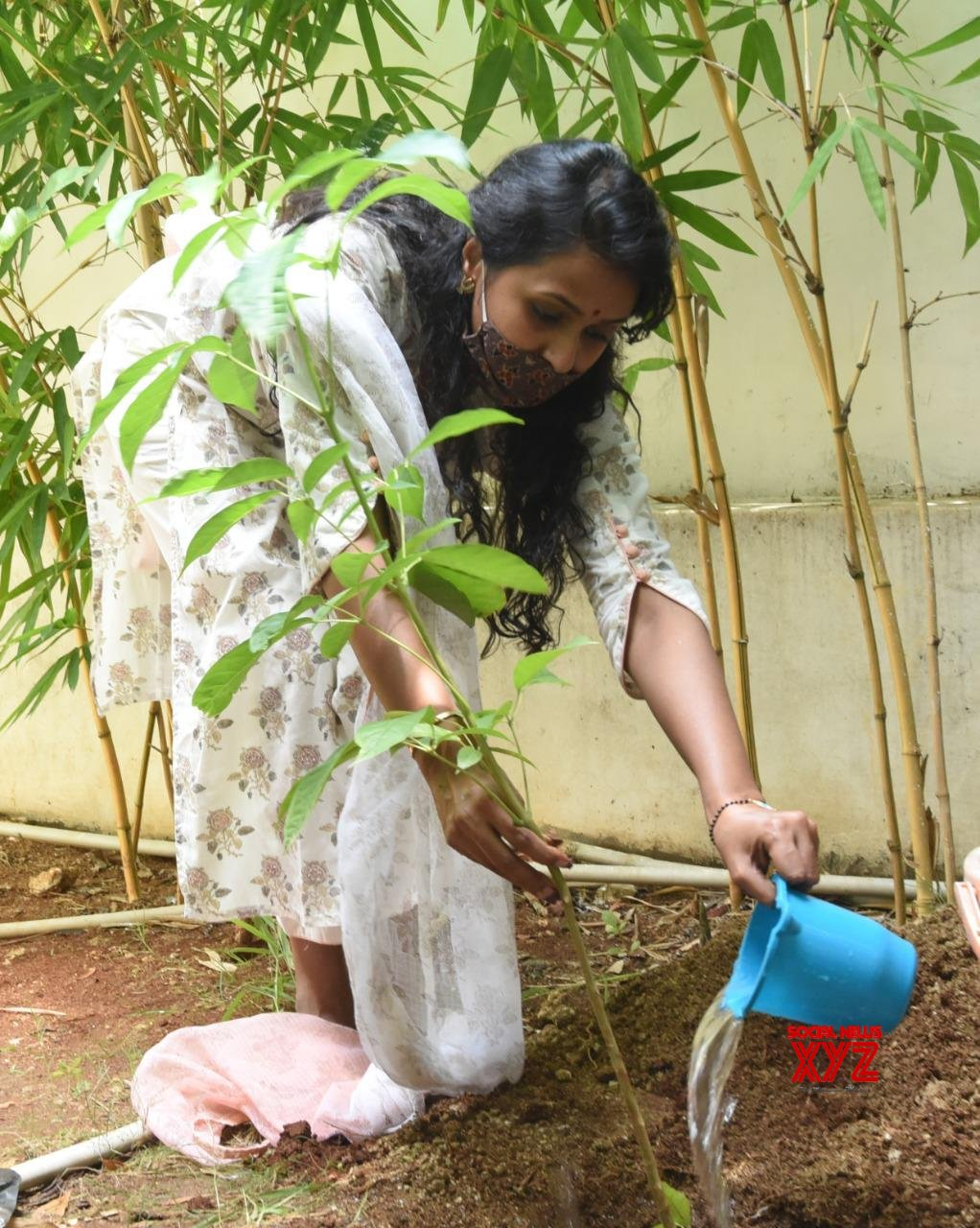 Pop Singer Smita Accepted The Green India Challenge Given By Allari Naresh And Planted Saplings At Her Home