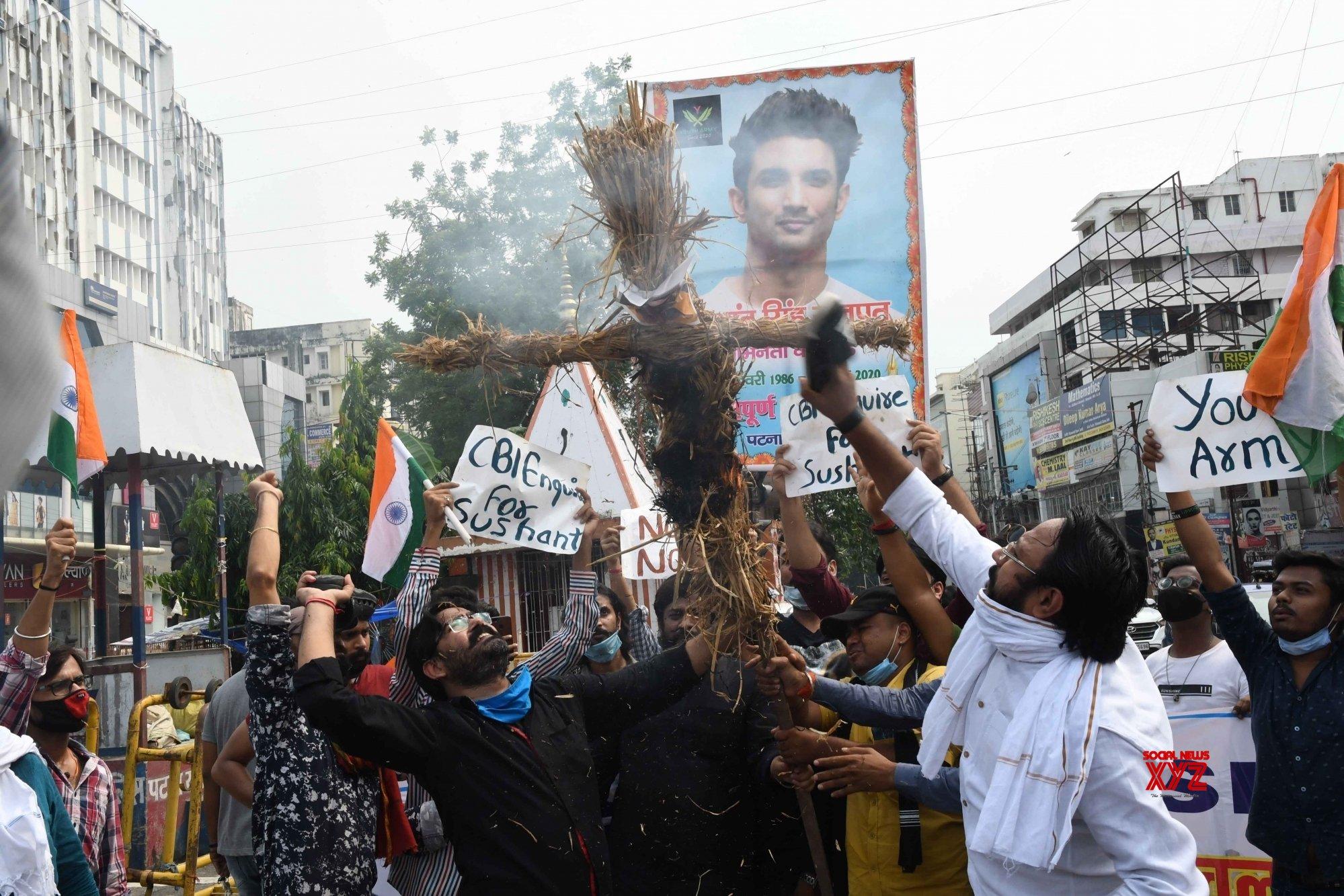Patna: Sushant Singh Rajput fans demand CBI enquiry into his death #Gallery