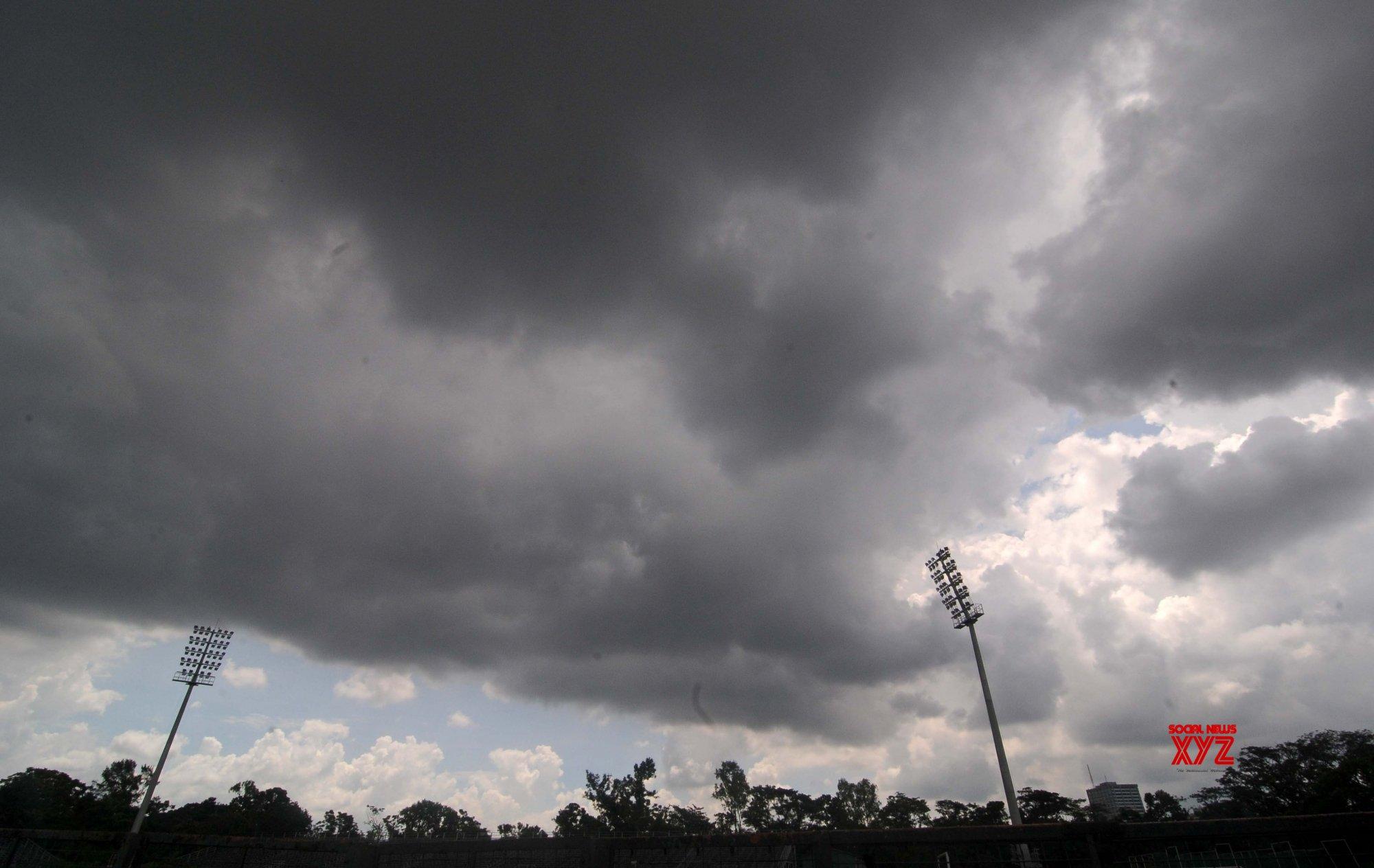 Kolkata: Overcast day #Gallery