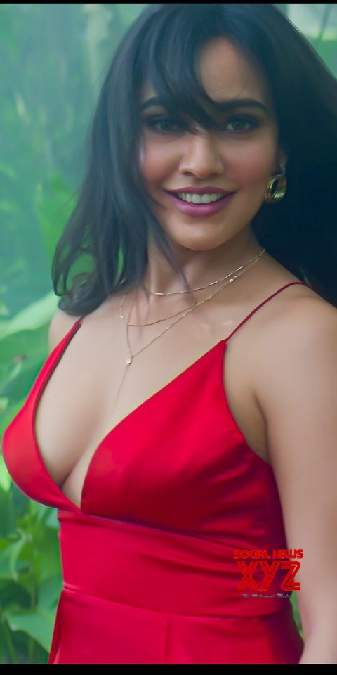 Actress Neha Sharma Latest Hot Stills