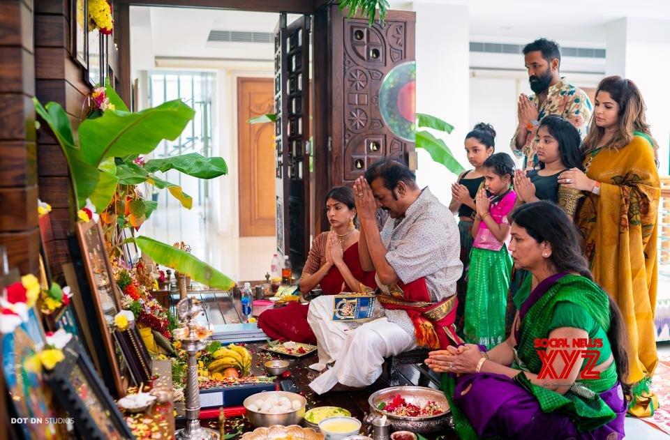Manchu Mohan Babu Family Ganesh Chaturthi Celebrations Gallery - Social  News XYZ  Manchu family : Vinayaka Chavithi celebration pictures Manchu Mohan Babu Family Ganesh Chaturthi celebrations Gallery