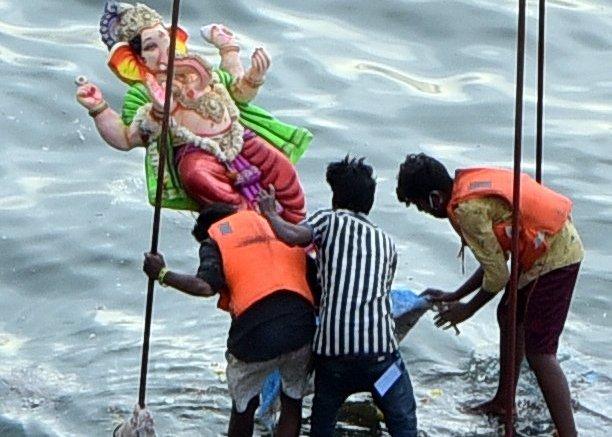 Telangana may move SC over idols immersion curbs