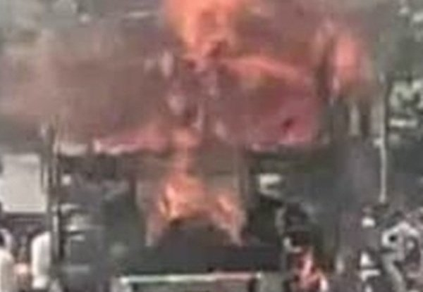 Truck owner set ablaze in UP for not paying dues