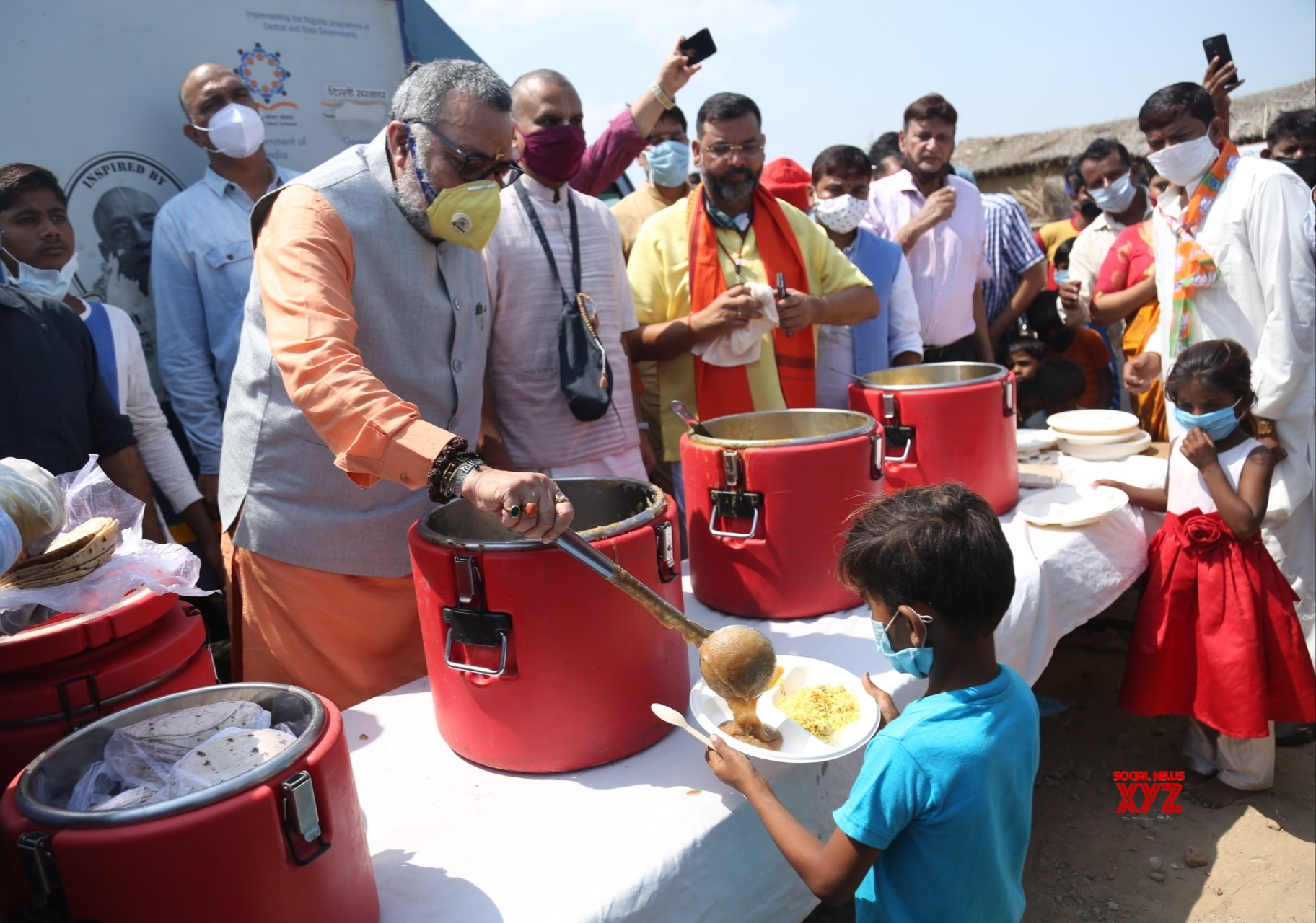 New Delhi: BJP distributes food and sewing machines to Pakistani Hindu refugees on PM Modi's 70th b'day #Gallery