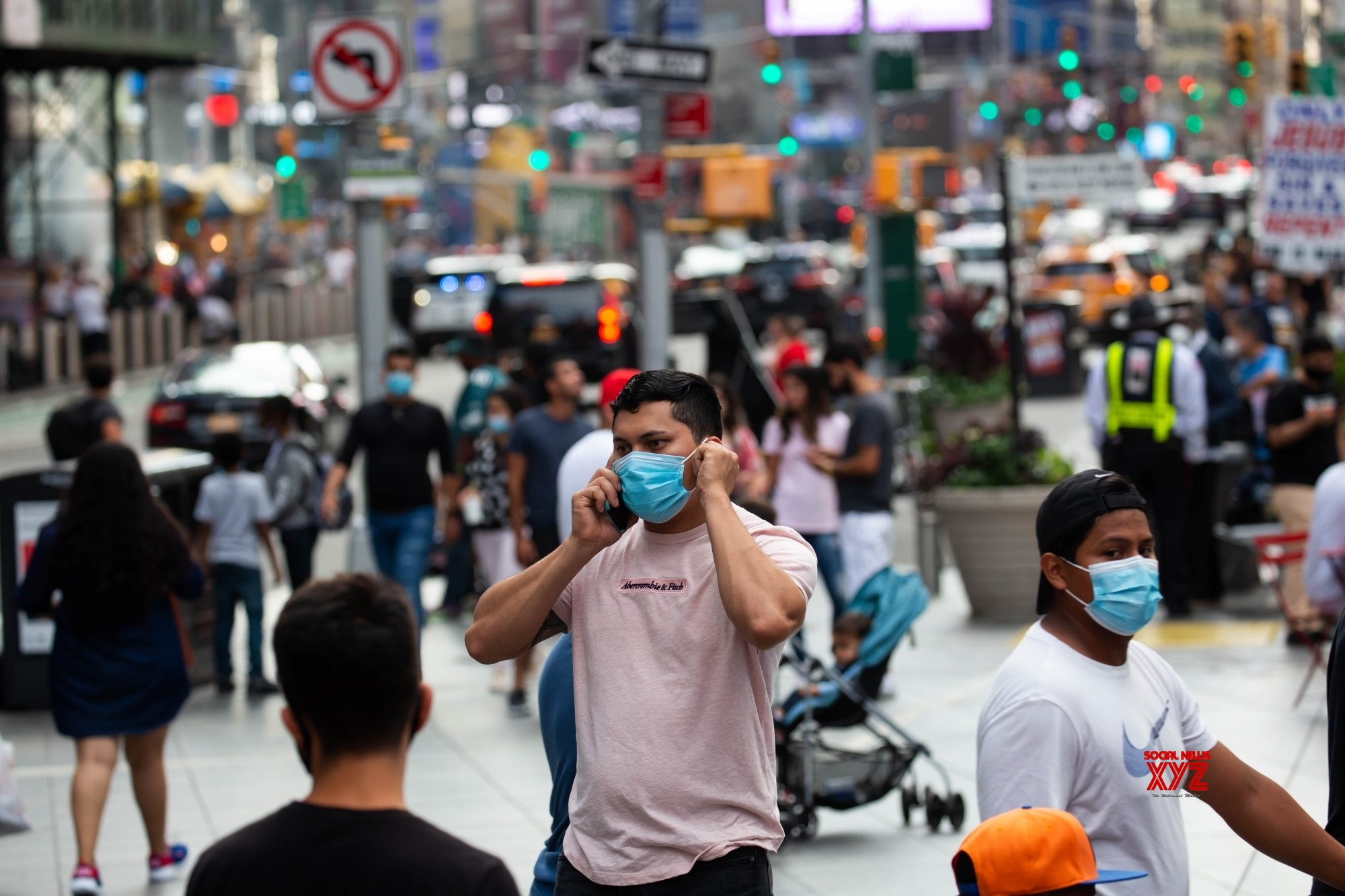 Scientists estimate risk of airborne Covid-19 with mask usage