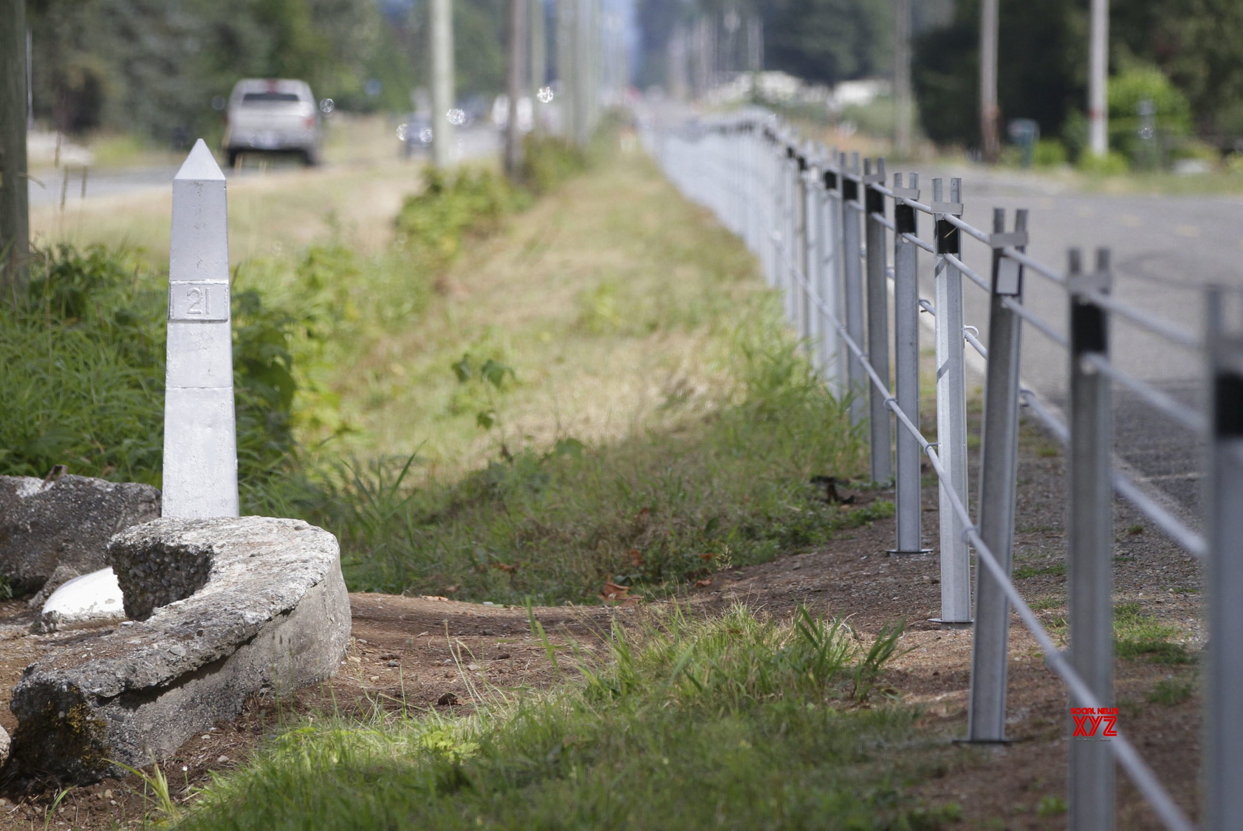 Canada-US border closure extended until at least late November