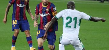 Barcelona, Sept. 20, 2020 (Xinhua) -- Barcelona's Lionel Messi (C) vies with Elche's Nuke Mfulu (R) during the 55th Joan Gamper Trophy friendly football match between Barcelona and Elche in Barcelona, Spain on Sept. 19, 2020. (Xinhua/Joan Gosa/IANS)
