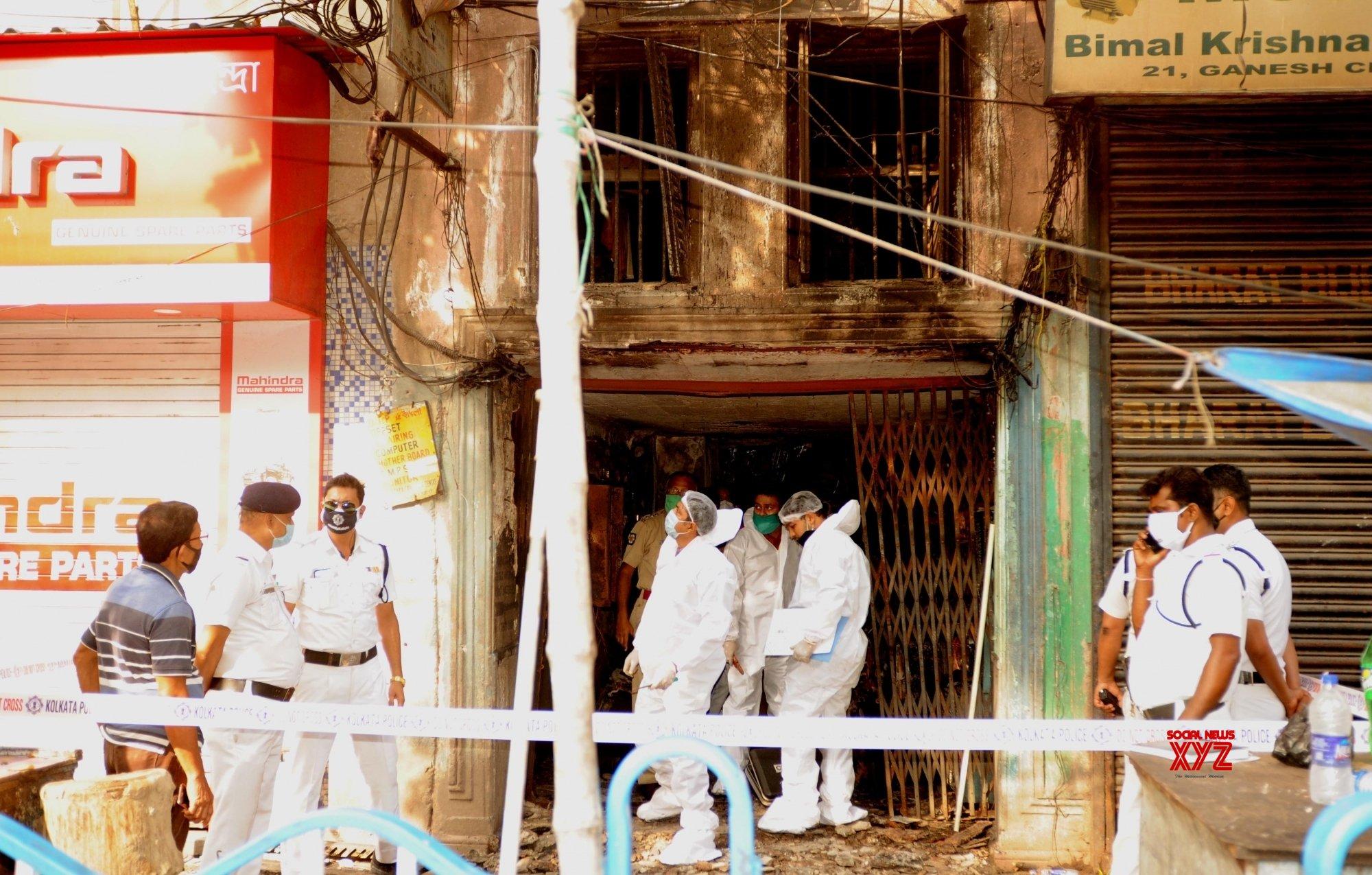 Kolkata: Kolkata police forensic team reaches Ganesh Chandra Avenue for investigation in fire mishap #Gallery