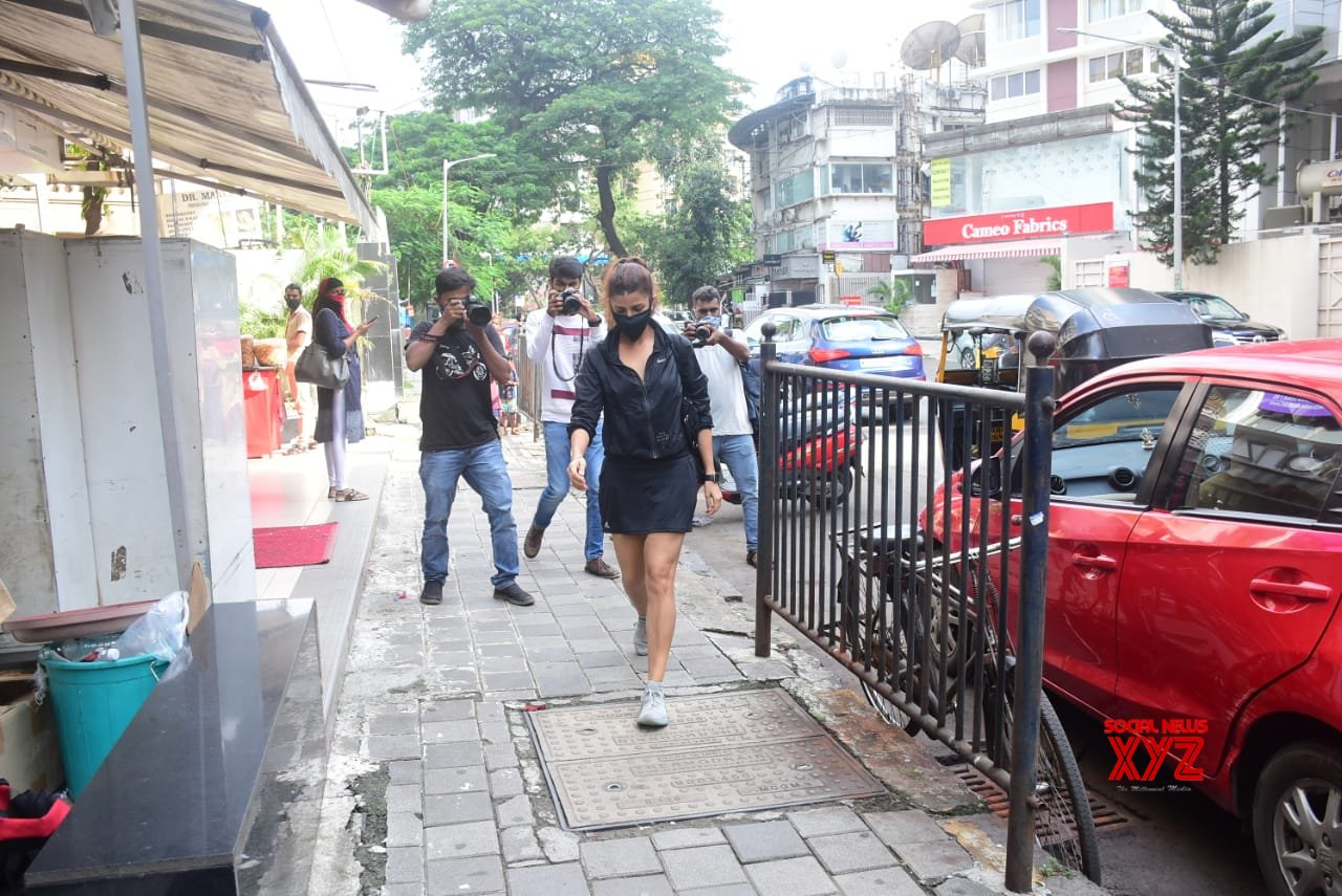 Actress Nimrat Kaur Spotted At Bandra - Gallery