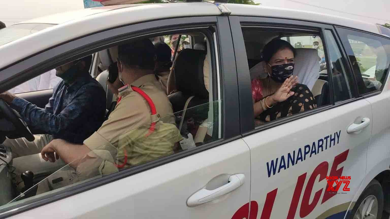 Nagarkurnool: BJP national secretary DK Aruna arrested during inspection visit to Telangana's Eluru #Gallery