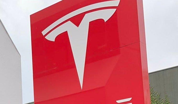 California gives Tesla 'essential workforce' exemption