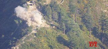 Pak violates ceasefire in J&K lose around 7 soldiers.