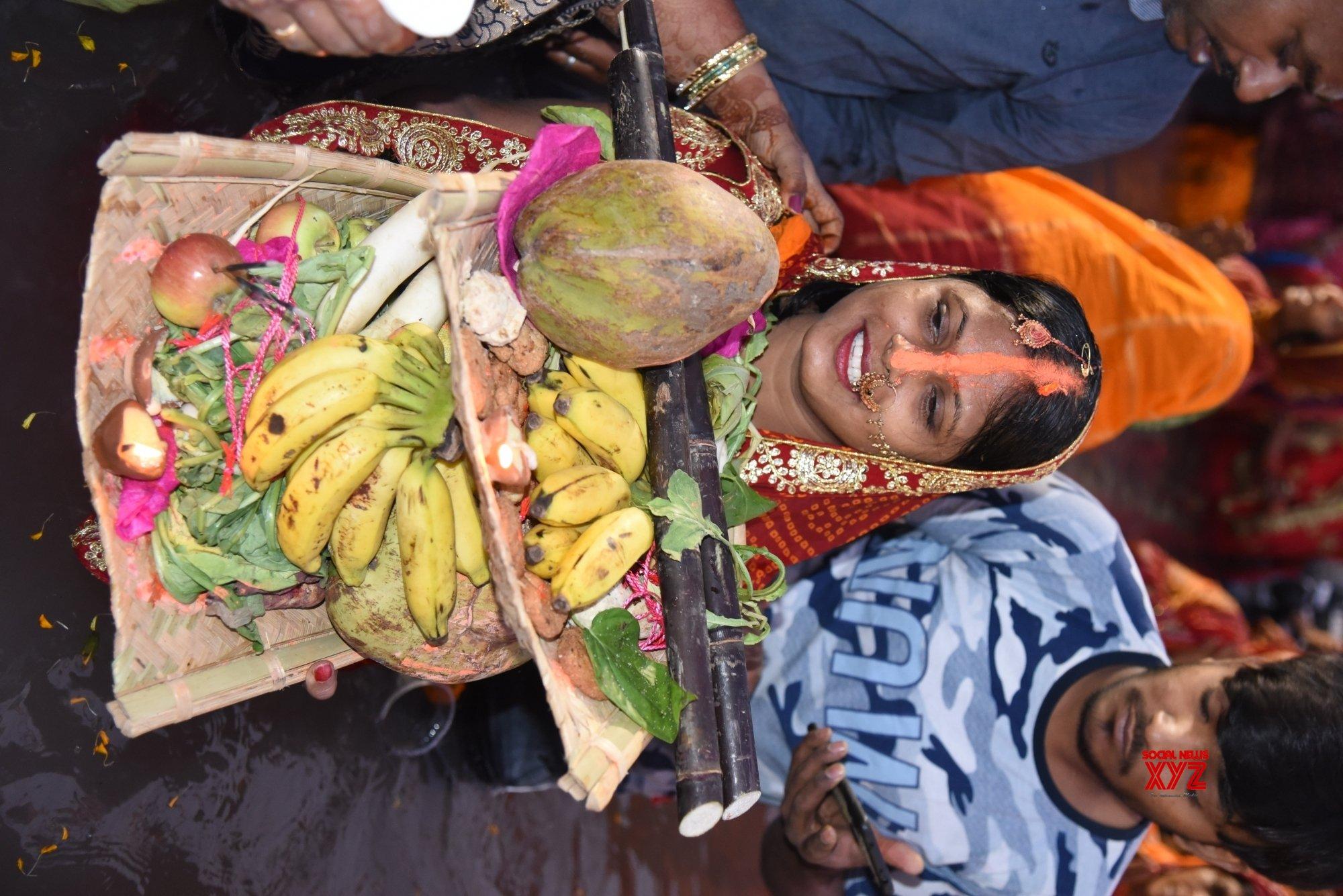 Patna: Chhath Puja celebrations at Kankarbagh Colony's Shivaji Park #Gallery