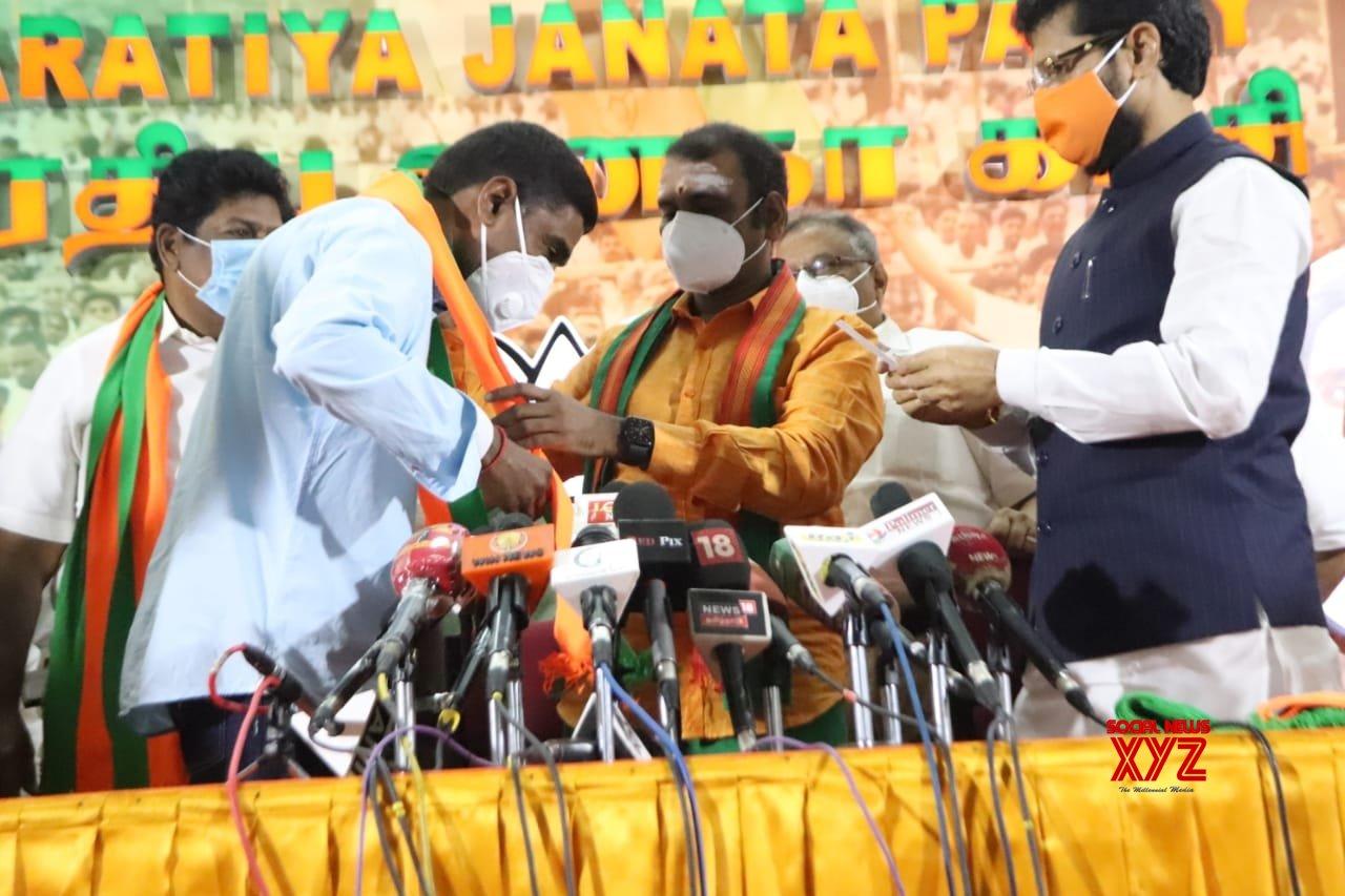 DMK's ex-MP Ramalingam joins BJP as Shah reaches TN