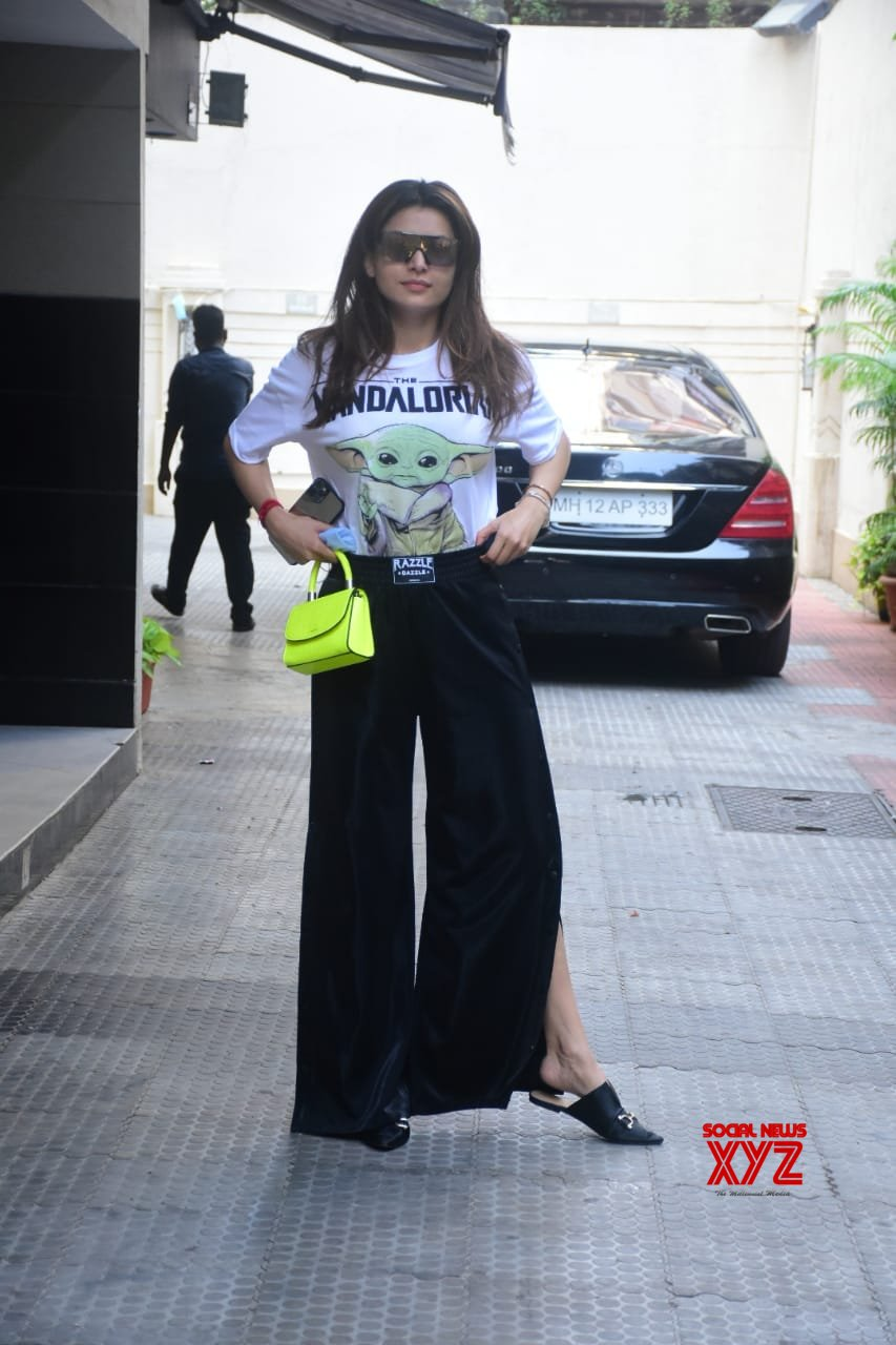 Actress Urvashi Rautela Spotted At Salon In Bandra - Gallery