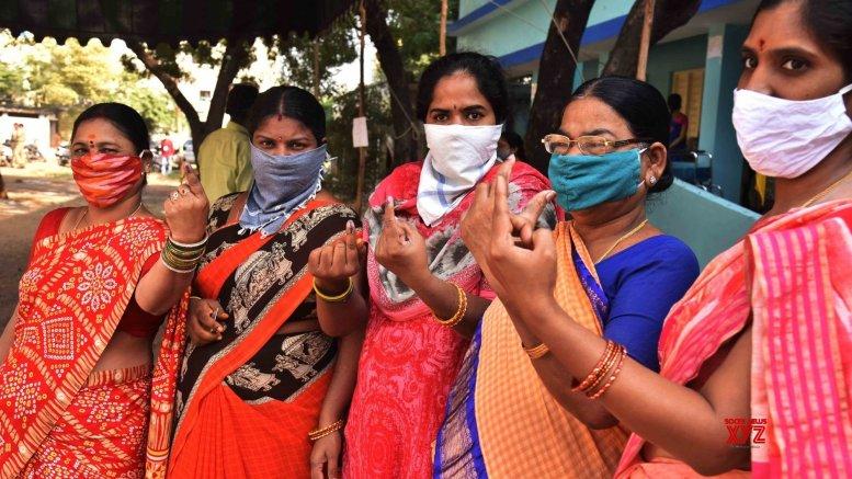Women winners in UP panchayat polls outnumber men