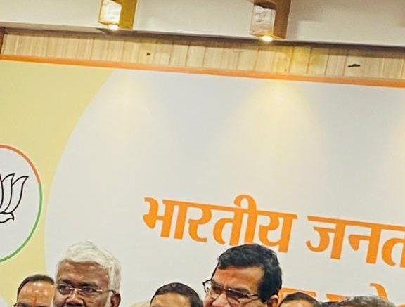 Ex-IAS Arvind Sharma joins BJP in UP