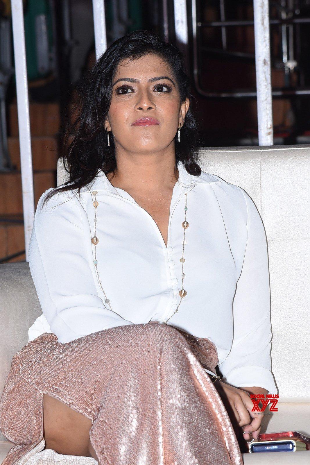 Ravi Teja's Krack Movie Success Celebrations At Vizag Gallery Set 2