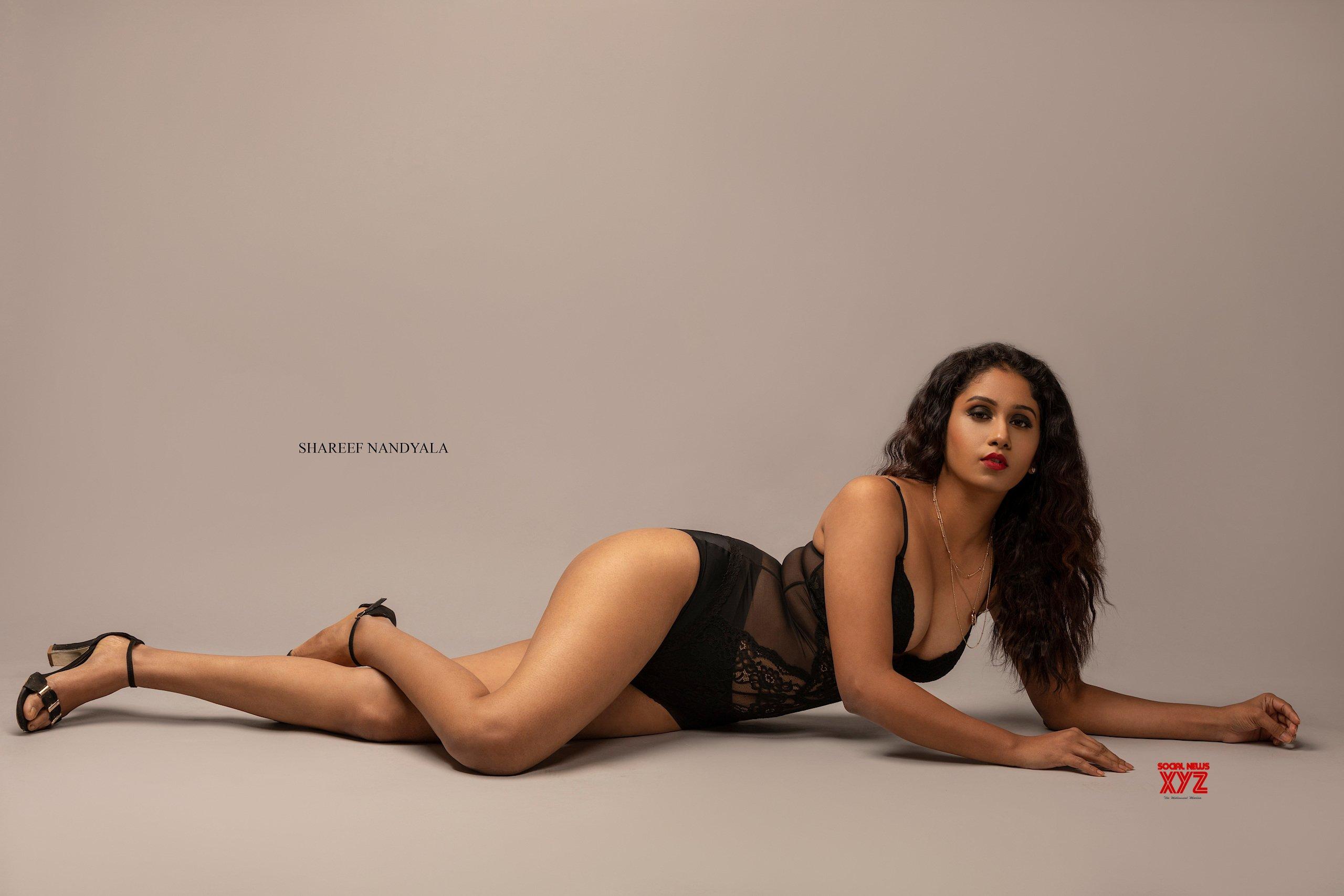 Actress Dakkshi Guttikonda Latest Hot HD Stills