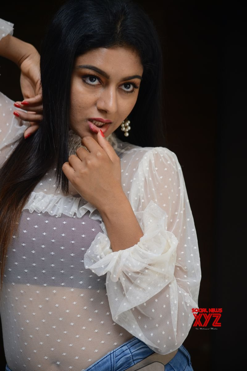Actress Akshatha Srinivas Stills From 70MM Movie Interview