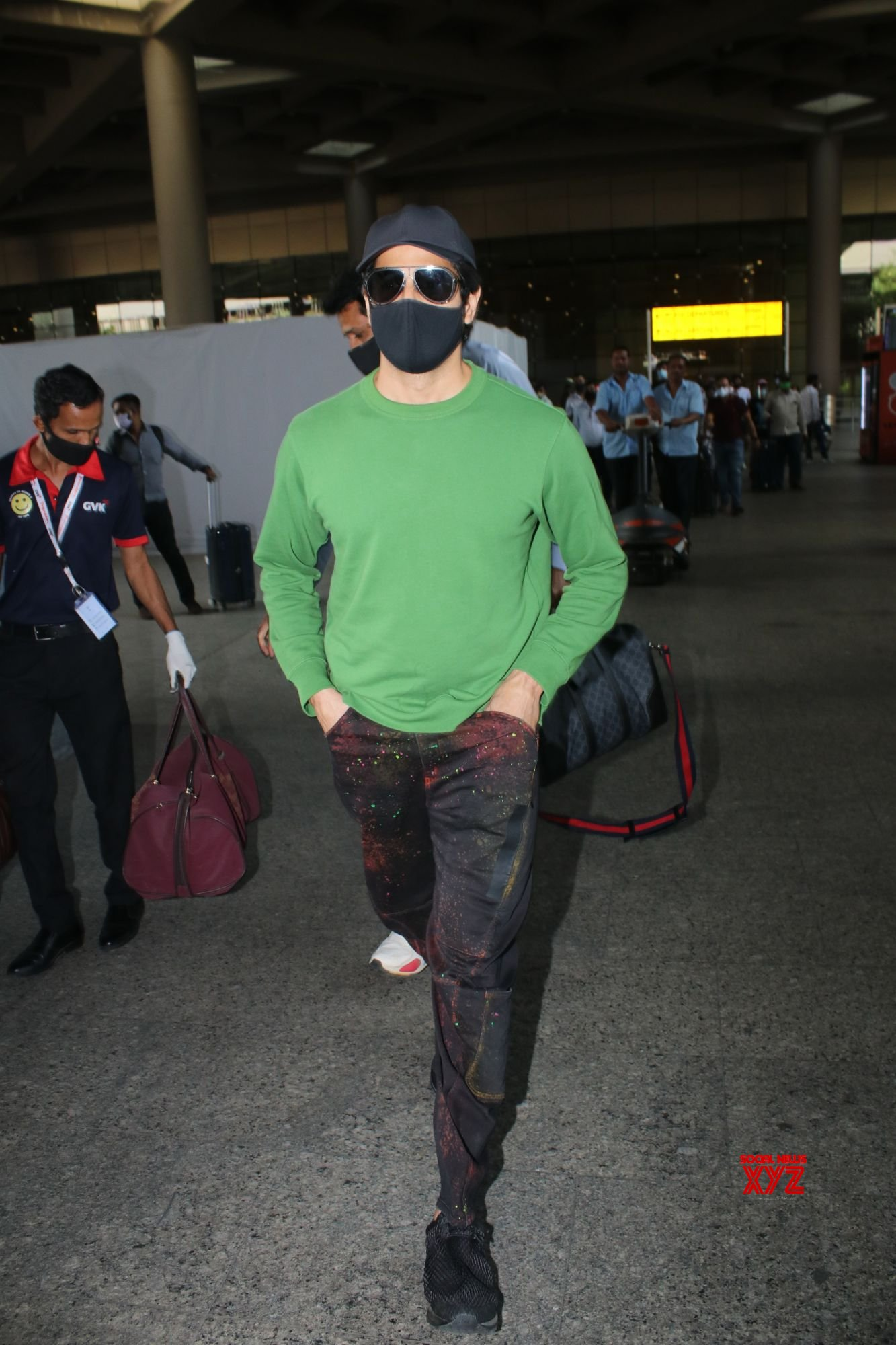 Sidharth Malhotra Spotted At Airport Departure - Gallery