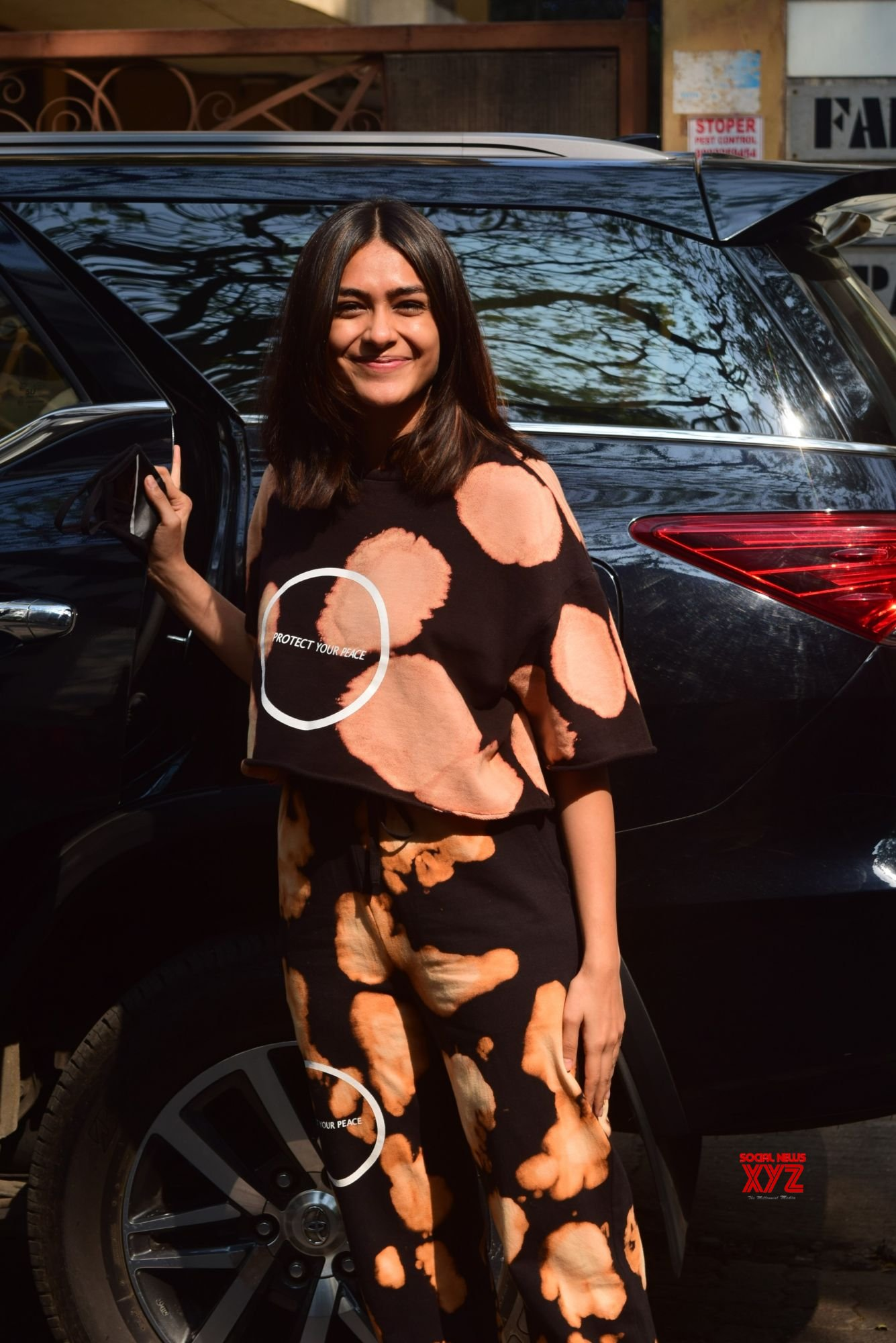 Actress Mrunal Thakur Snapped Today At Roy Films Santacruz - Gallery