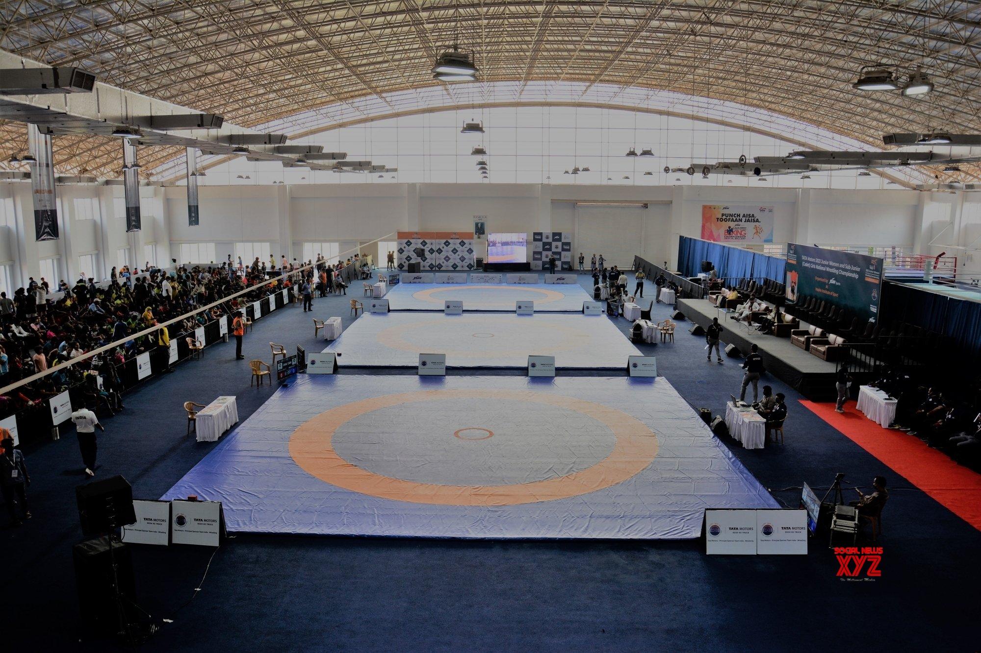 Wrestlers set for long haul on flight to Almaty