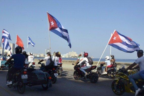 Havana: Massive car caravan in Cuba hits road against U.S. embargo #Gallery