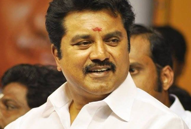 Actor couple Sarathkumar-Radhikaa sentenced to jail for bouncing cheque
