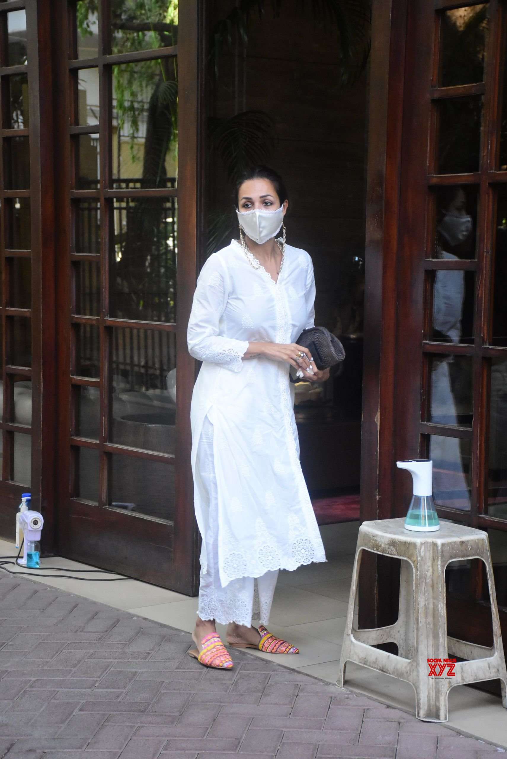 Actress Malaika Arora Spotted At Her House In Bandra - Gallery