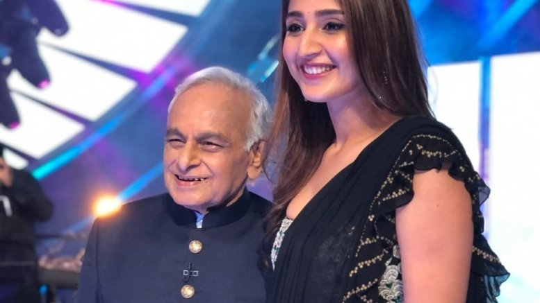 Dhvani Bhanushali overwhelmed to meet veteran composer Anandji