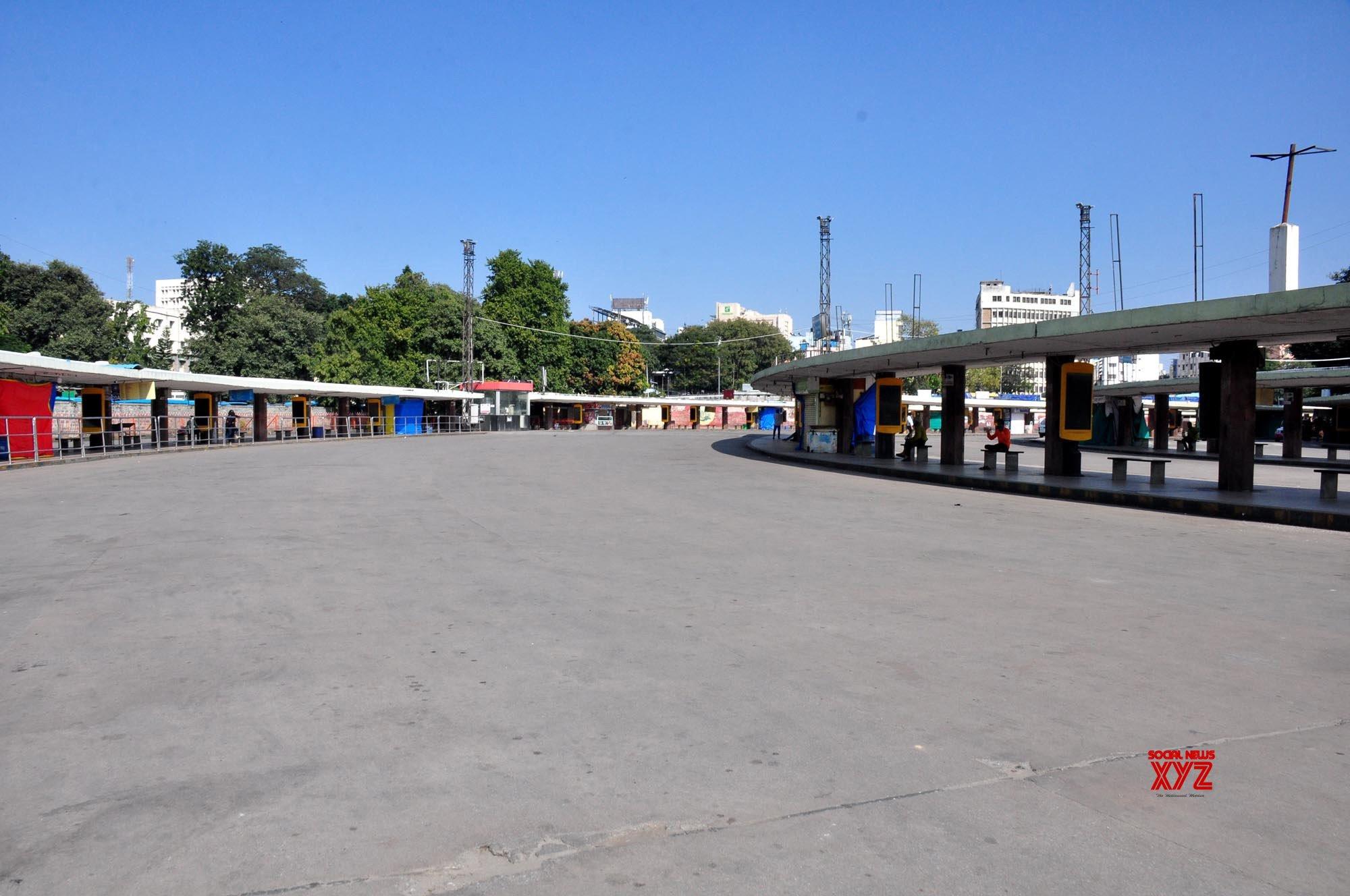 K'taka govt's 'inefficiency' behind transport workers' strike: Siddaramaiah