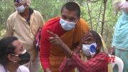 Doctor on mission to eradicate cataracts in Nepal (Video)
