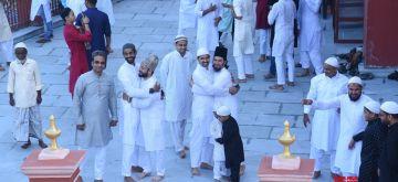 Kolkata: Muslim devotees offer Eid prayers on the Eid-al-Fitr festival at Nakhoda Masjid in Kolkata on 14 May, 2021. (Photo: Kuntal Chakrabarty/ IANS)