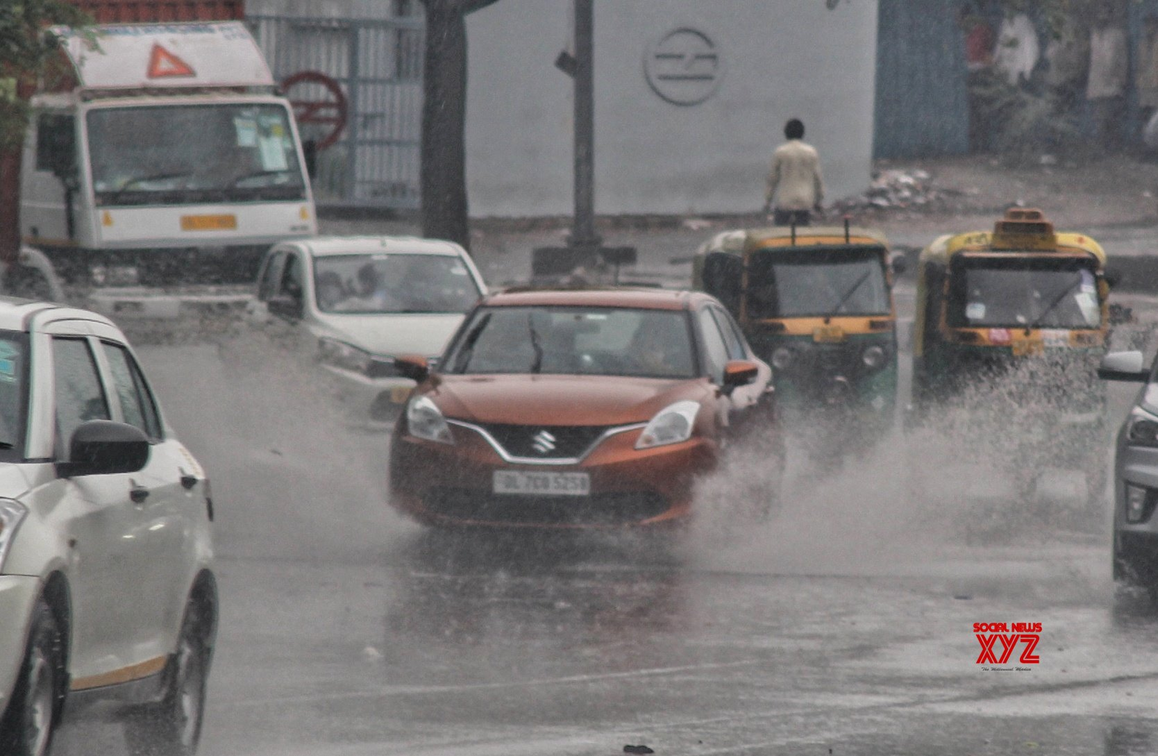 'Govt should focus on converting 30 cr on-road vehicles to clean fuels'