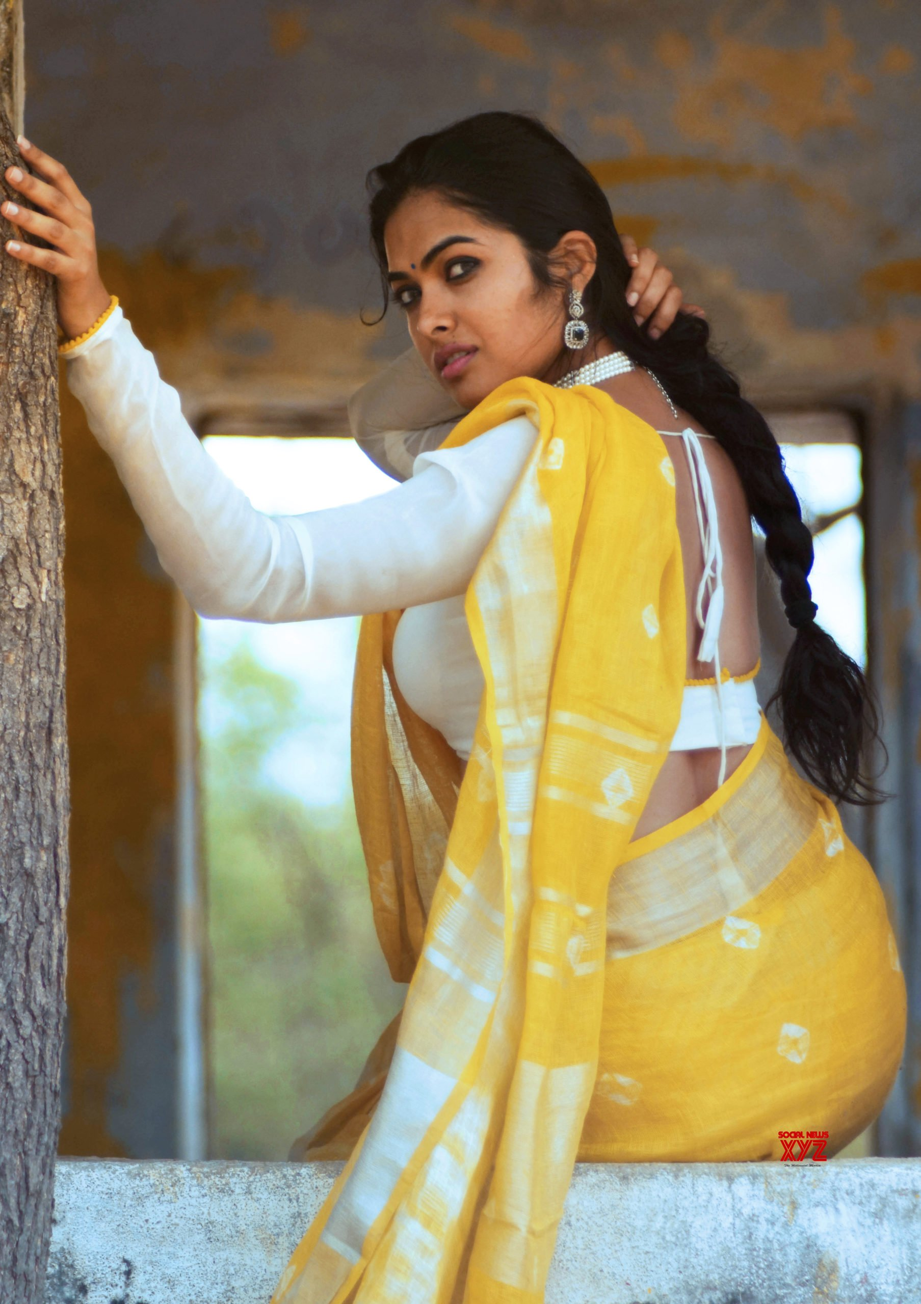 Twists In Cab Stories Movie Will Entertain Audience Through Out: Divi Vadthya