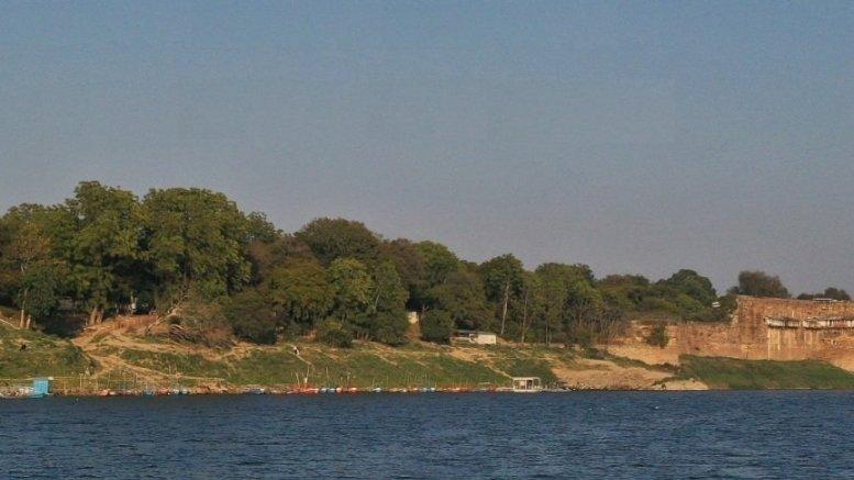 Survey to study algae bloom in Ganga at Varanasi