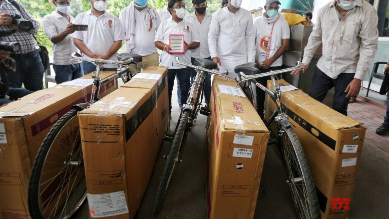 Youth Cong sends bicycles to Modi, Shah over fuel price rise