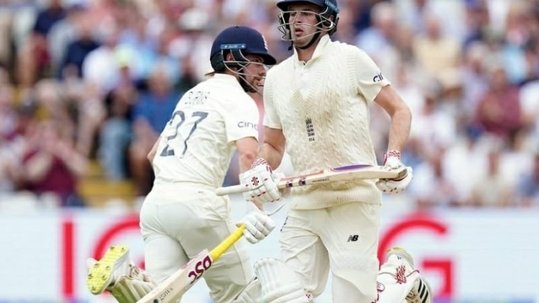 2nd Test: England make steady start, move to 67/0 at lunch