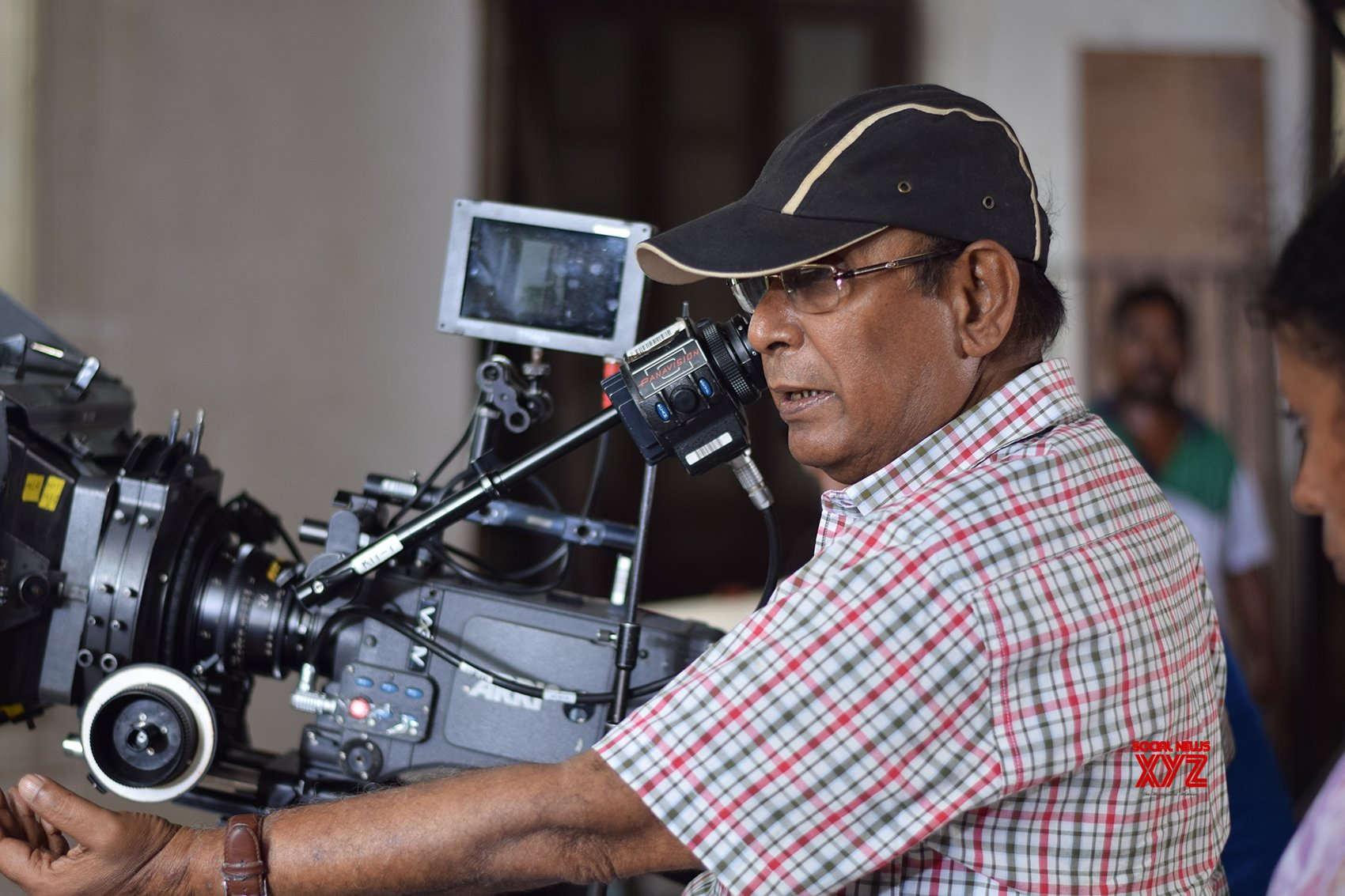 Kolkata: Legendary Bengali filmmaker Buddhadeb Dasgupta died at the age of 77 this morning due to age - related complications in Kolkata. #Gallery