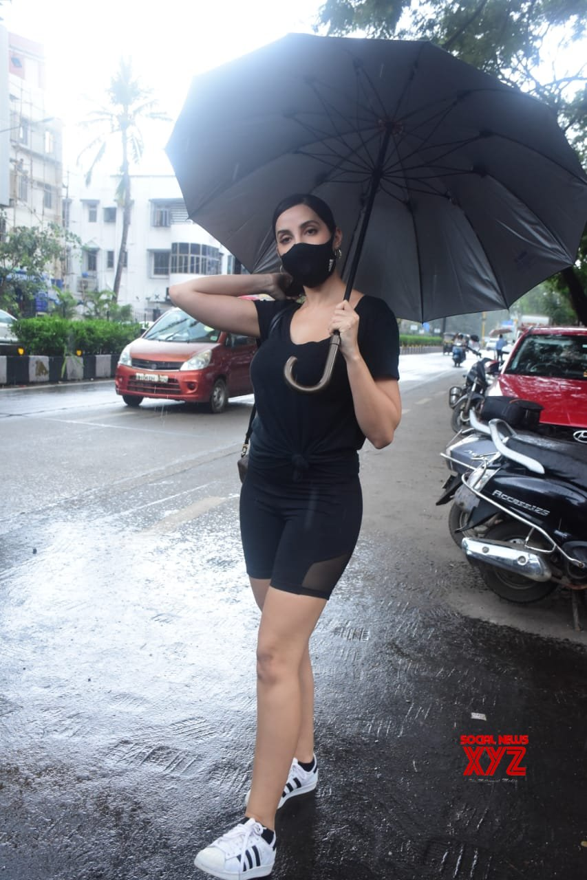 Actress Nora Fatehi Spotted Outside Dental Clinic At Bandra - Gallery