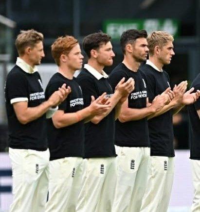 England team wears anti-discrimination jerseys